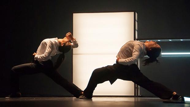 """O grupo mineiro de dança Camaleão abre a mostra de dança com o espetáculo """"Retina"""", que fala do olhar sobre a breviedade e rapidez da contemporaneidade"""