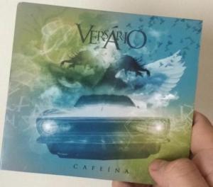 Capa do disco na versão lançada em CD, que foi vendido a R$ 10 no show de lançamento |Foto: Reprodução/Facebook