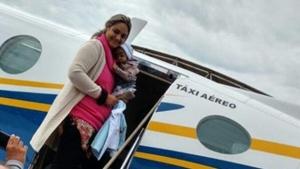 Aline e Davi partiram de Goiânia nesta quarta-feira (28/4) | Foto: Reprodução / Facebook
