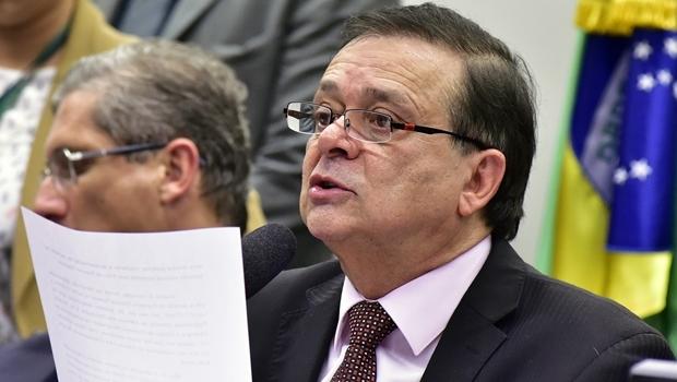 Deputado federal Jovair Arantes durante comissão do impeachment  | Foto: Zeca Ribeiro
