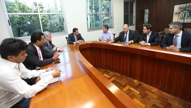 Governador Marconi Perillo (PSDB)  recebeu representatnes da empresa no Palávio das Esmeraldas   Foto: Divulgação Gabinete Imprensa