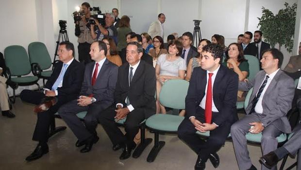 Governador visita Segplan e anuncia retomada da meritocracia