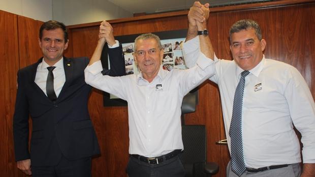 Deputado federal Marcos Abrão, e os vereadores Roberto Lopes e Tequinha   Foto: Ascom / Marcos Abrão