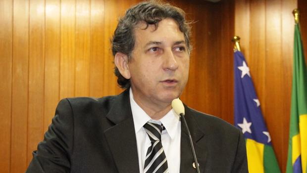 Paulo da Farmácia pede licença e abre vaga para Elson Gerolineto