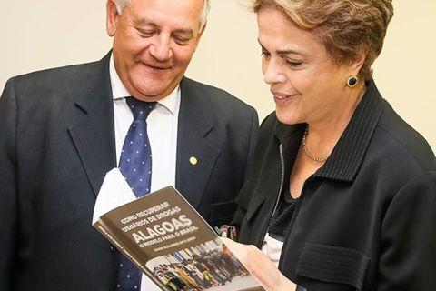 Livro de Vargas Llosa pode confortar Dilma Rousseff e explicar sua queda