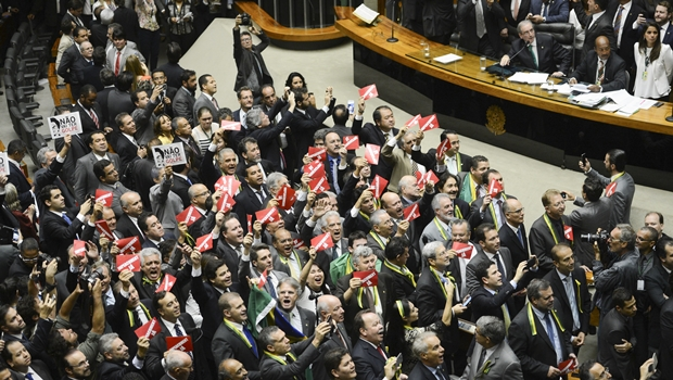 Decisão exige que processo do impeachment volte para Câmara e seja feita nova votação