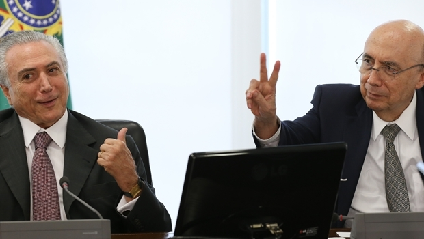 Presidente interino Michel Temer e o ministro Henrique Meirelles | Foto Lula Marques/AGPT