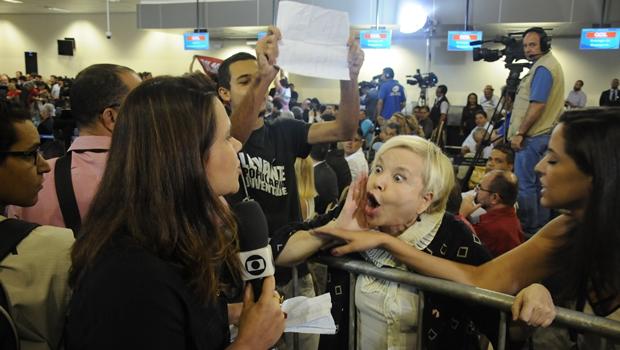 Afiliada da Globo em Goiânia é hostilizada durante inauguração de novo aeroporto