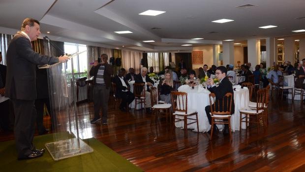Marconi se encontra com diplomatas africanos em Goiânia