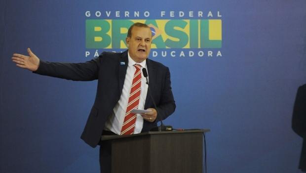 Em discurso na inauguração do novo Aeroporto Santa Genoveva, o prefeito Paulo Garcia (PT) agradeceu o apoio de Dilma à sua administração em Goiânia | Foto: Renan Accioly/Jornal Opção