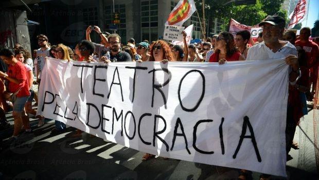 Manifestantes também fizeram passeata no Rio de Janeiro   Foto: Tomaz Silva/Agência Brasil