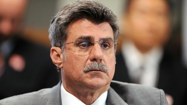 Romero Jucá pede licença do Ministério do Planejamento
