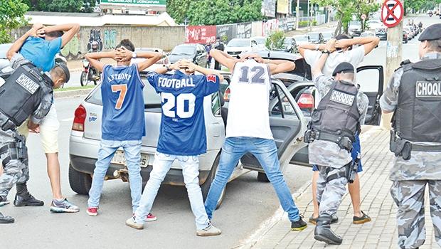 Polícia atua e prende muitos criminosos diariamente, mas logo a maioira deles está nas ruas cometendo crimes de novo