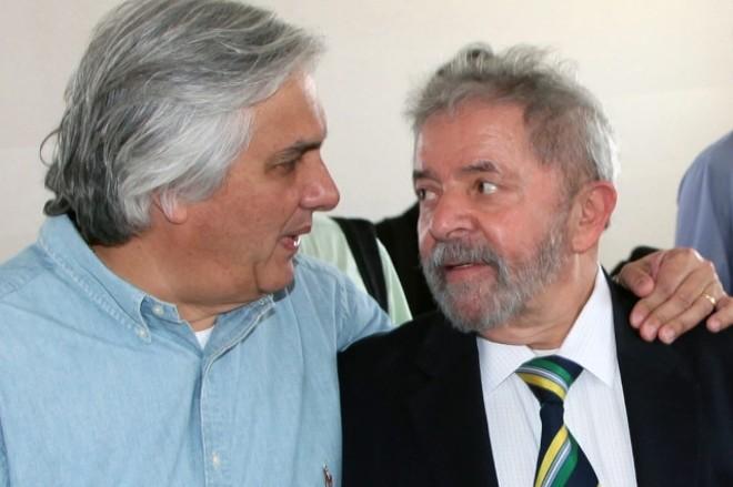 Advogados dizem que Delcídio do Amaral não apresenta provas contra Lula da Silva
