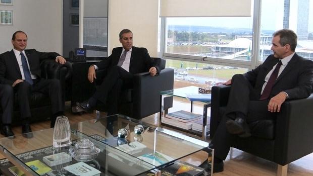Ministro, vice-governador e o secretário   Foto: Ministério da Saúde