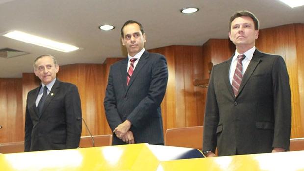 Colaboradores da Unimed Goiânia são homenageados na Câmara Municipal