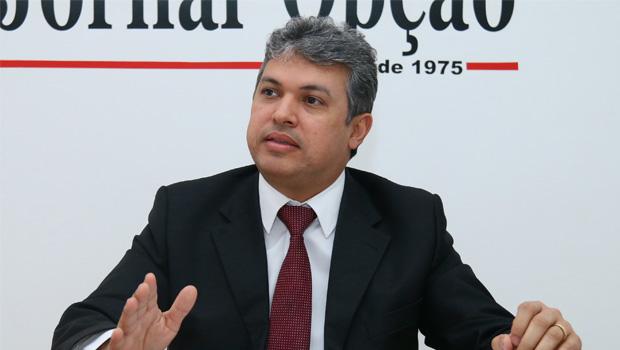 """""""MP quer espetáculo midiático"""", diz advogado de médico investigado em esquema das UTIs"""