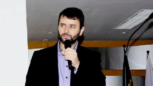 """""""Marlon Reis aliou-se  aos progressistas e Carlos Amastha aos reacionários"""""""