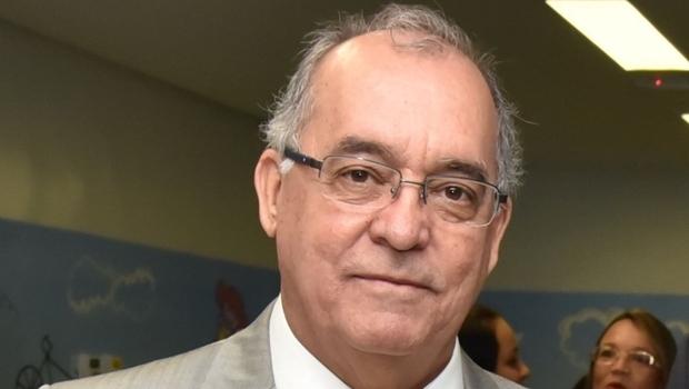 Presidente do Conselho Regional de Medicina disse que a entidade aguarda que informações sejam repassadas para analisar os casos