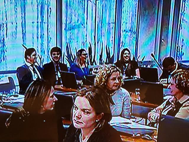 """Ana Carla Abrão """"despacha"""" com a senadora Lúcia Vânia e aparece na Comissão do Impeachment"""