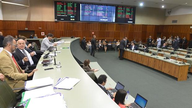 Em sessão extraordinária, Assembleia aprova repactuação de dívidas de Goiás