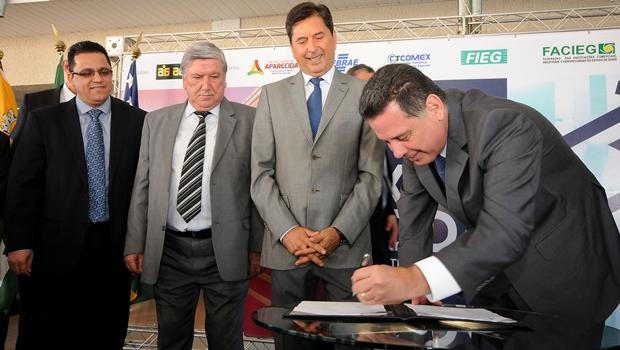 Governador e prefeito abrem 1ª Feira de Comércio, Indústria e Logística de Aparecida