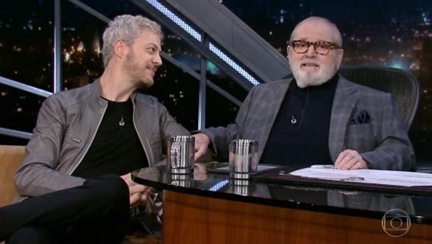 """Ator encerra entrevista com """"fora Temer"""" e é aplaudido no Programa do Jô"""