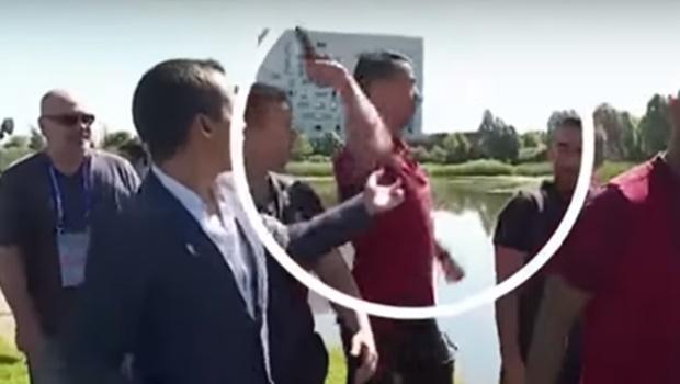 Cristiano Ronaldo arremessa microfone de repórter que tentou entrevistá-lo na França