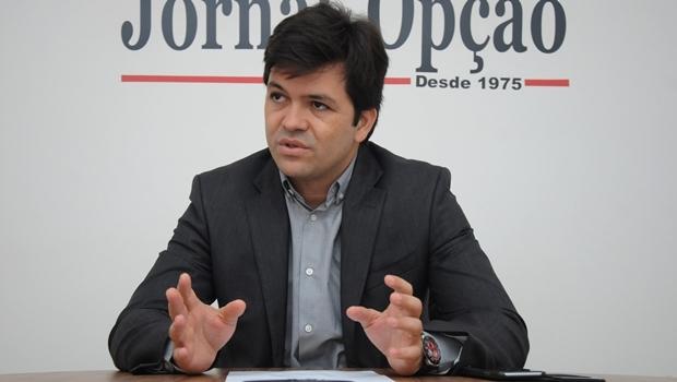 Secretário Fernando Machado durante entrevista ao Jornal Opção | Foto: Renan Accioly