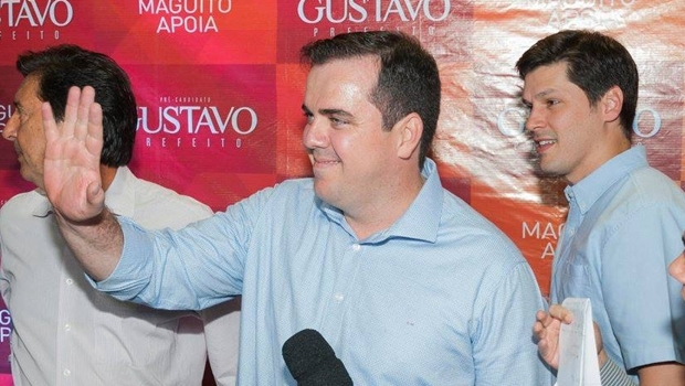 Gustavo Mendanha: peemedebista pode ser eleito no primeiro turno Foto: Divulgação/Facebook/ Rodrigo Estrela
