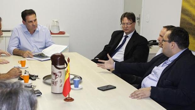 "Codese entrega levantamento ""Goiânia 2033"" para pré-candidatos a prefeitura"