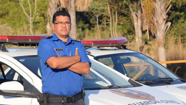 Diretor da Guarda Municipal, comandante Engle diz que trabalha para que a população se sinta cada vez mais protegida | Foto: Renan Accioly