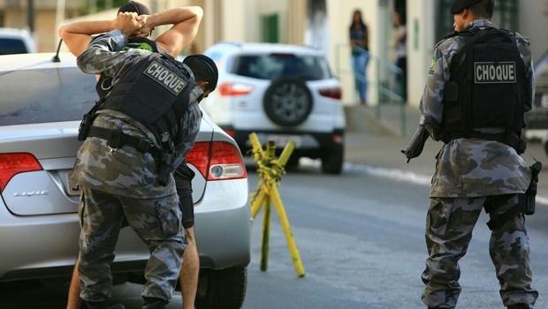 Barreiras policiais, como a da foto, montada em Águas Lindas, fazem parte da Operação Brasil Central Seguro | Foto: Wildes Barbosa