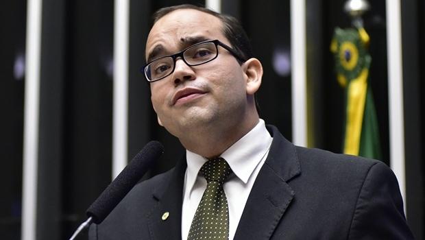 Deputado federal Fábio Sousa no Plenário | Foto: Zeca Ribeiro/ Agência Câmara