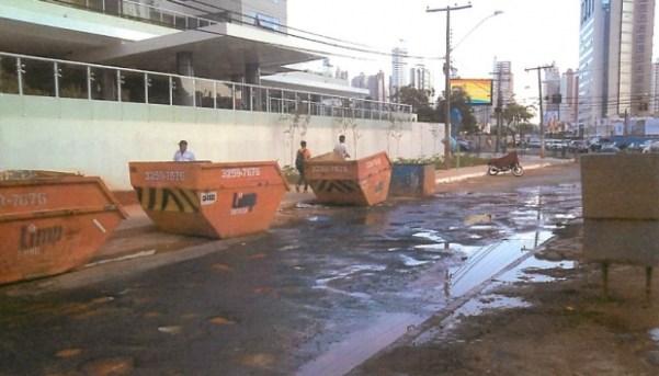 Buracos em uma das ruas do Parque Flamboyant | Foto: MPGO