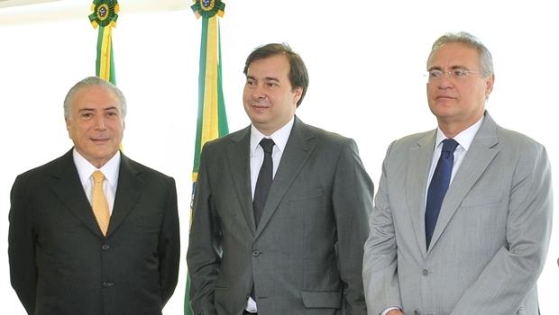Presidente interino, Michel Temer; presidente da Câmara, Rodrigo Maia; e Renan Calheiros, presidente do Senado | Foto: J. Batista