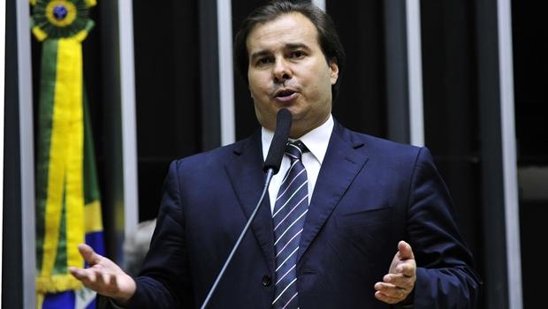 Rodrigo Maia derrota centrão e é eleito presidente da Câmara