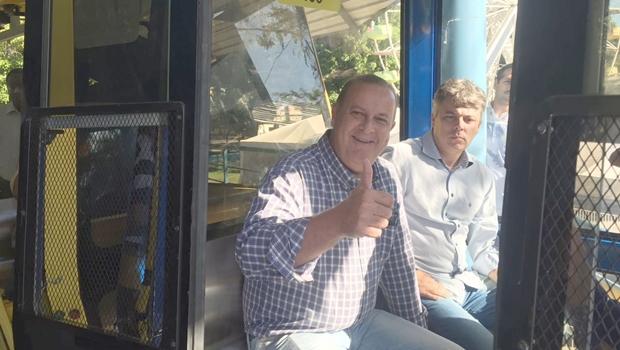 Paulo Garcia faz viagem inaugural do Teleférico do Parque Mutirama