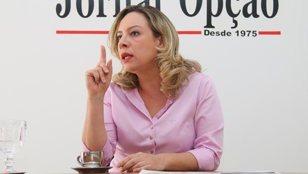 Dívida deixada na Saúde comprova falta de gestão de Iris, diz Adriana Accorsi