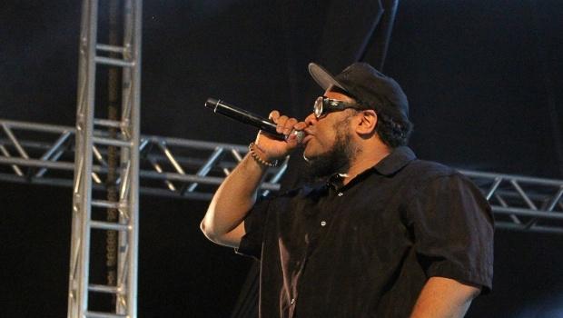 BNegão botou todo mundo pra dançar com seu hip hop que mistura funk, hardcore e outros sons | Foto: Bruna Aidar/ Jornal Opção