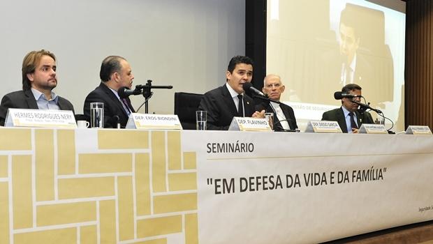 """Comissão """"Em defesa da vida e da família""""   Foto: Luís Macedo"""