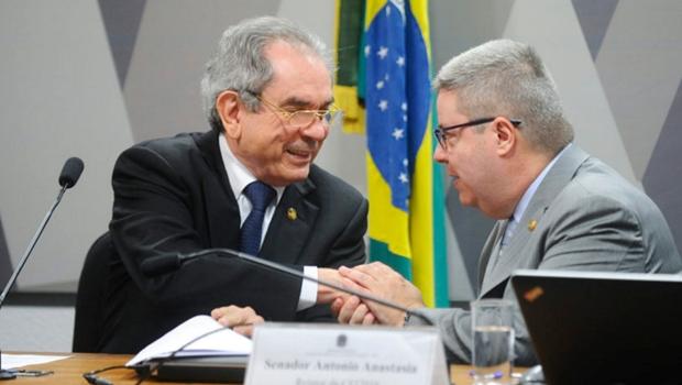 Comissão do impeachment aprova relatório que recomenda julgamento de Dilma Rousseff