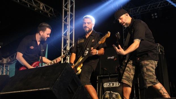 Phill, Fernando e Luciano durante o show do CPM 22 | Foto: Bruna Aidar/ Jornal Opção