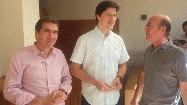 João Gomes, Daniel Vilela e Rubens Otoni em Anápolis | Foto: reprodução/ Facebook