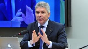 Helio Telho explica pontos polêmicos do projeto   Foto: Luis Macedo / Câmara dos Deputados