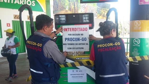 62% dos postos fiscalizados pelo Procon Goiás foram autuados por irregularidades