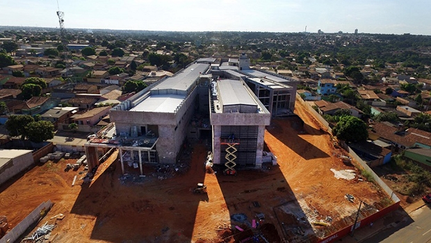 """""""O hospital de Aparecida será, sem medo de errar, o mais moderno hospital público de Goiás"""""""