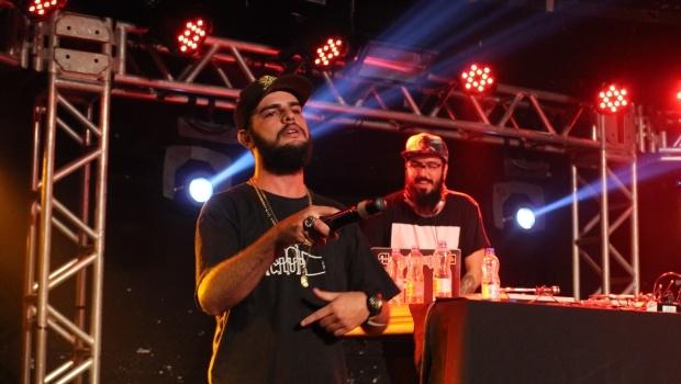 MMK e DJ Lagoa no forte show do Faroeste | Foto: Bruna Aidar/ Jornal Opção