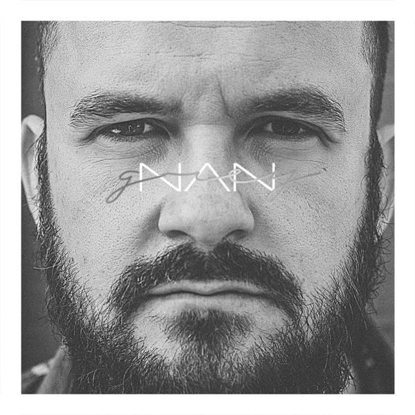 """""""Grey"""", primeiro álbum do catarinense Nan, quer promover um resgate da folk music"""