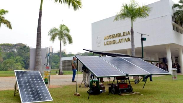 Assembleia inaugura estação individual de energia solar fotovoltaica